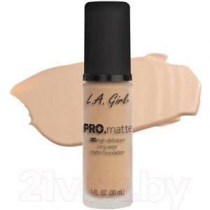 Тональный крем L.A.Girl PRO.matte Liquid Foundation Nude GLM716